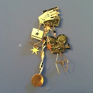 LUNCH AT THE RITZ VINTAGE GOLD MOVIE PIN SIGND NEW